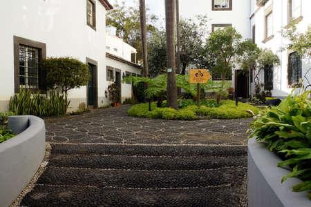 自然史博物館、フンシャル、マデイラ島、ポルトガルで庭に表示します。