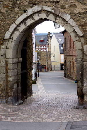 Adenbacher Gate and historic city walls, Ahrweiler, Rheinland-Pfalz, Germany 版權商用圖片