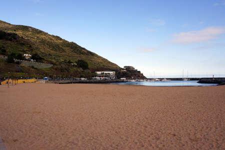 ferien: Madeiras only sandy beach, Machico, Madeira, Portugal Stock Photo