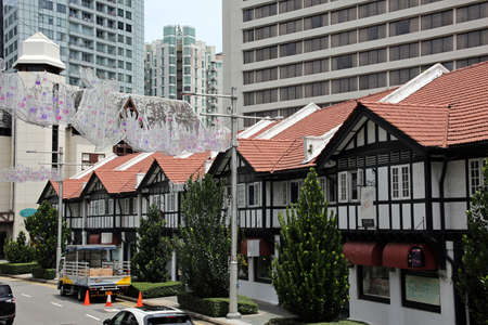 Weihnachtsdekoration in der Obstgarten-Straße Singapur Standard-Bild - 88662823