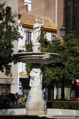 Magdalena-Brunnen auf dem gleichnamigen Platz, Sevilla, Andalusien, Spanien