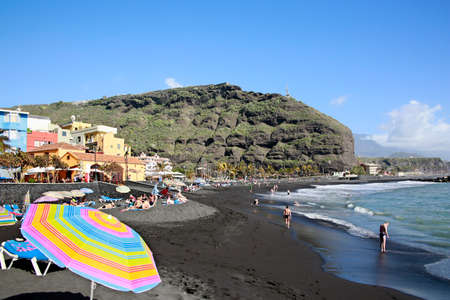 beach in Puerto de Tazacorte, La Palma, Canary Islands, Spain Standard-Bild - 109267454