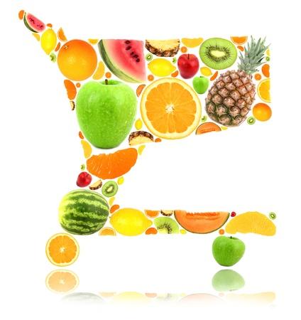 abarrotes: Cesta de la compra hecha de frutas aisladas sobre fondo blanco Foto de archivo