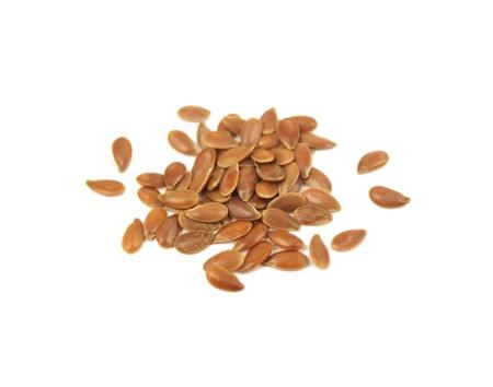 ajonjol  : Las semillas de sésamo aislado en blanco