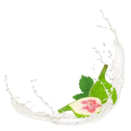 feuille de figuier: Éclaboussures de lait avec des figues isolé sur blanc Banque d'images