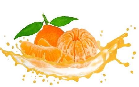Tangerine mit Blättern, Scheiben und Spritzwasser isoliert auf weiß Standard-Bild - 14435321