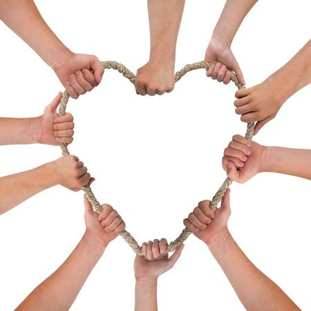fraternidad: Manos que sostienen la cuerda, forma de corazón, con espacio para el texto