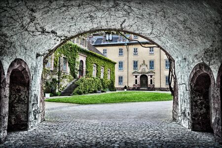 A Baden archway to a courtyard in Germany. Imagens