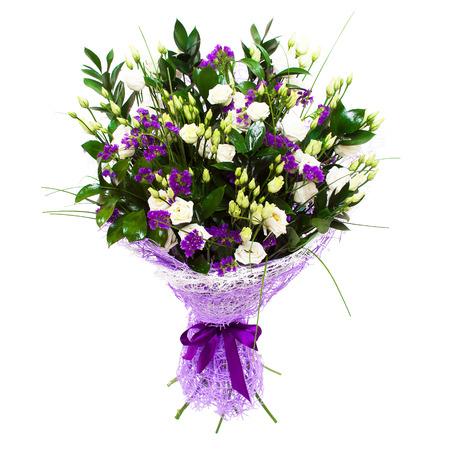 흰색 작은 장미와 보라색 보라색 꽃 꽃 조성 꽃다발입니다. 스톡 콘텐츠