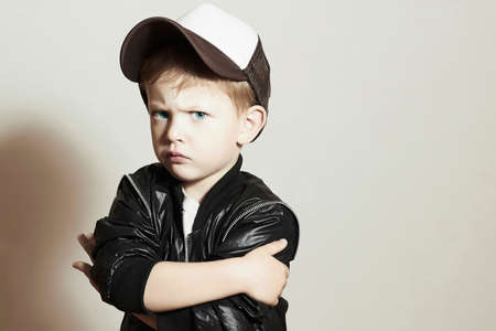 Modische Child.stylish little.fashion children.Hip-Hop-Stil Standard-Bild - 44757660