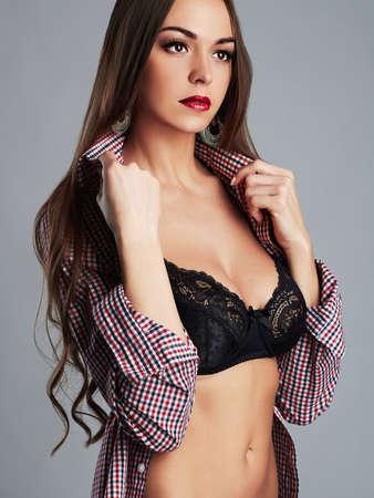 tetas: chica de belleza de la mujer joven atractiva hermosa portrait.passion con gran tits.underwear Foto de archivo