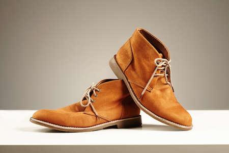 los zapatos del otro papá. botas de los hombres de la moda