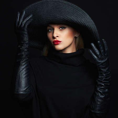 帽子の帽子と革の gloves.beauty 女の子の美しい女性