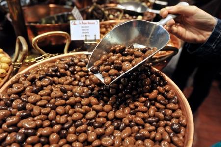 cacao beans: Granos de cacao en Brussles Foto de archivo