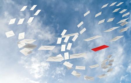 levelezés: Illusztráció levelezés e-mail fogalom fehér boríték patak és egy piros