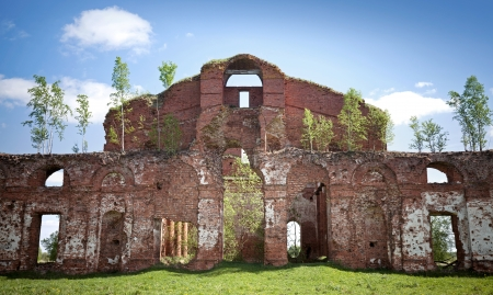 petrovich: Abandoned landmark  dark ruins of old military quarters  Was built in 6 years from 1818  Architect - Vasily Petrovich Stasov  Selishi village, Novgorod region, Russia