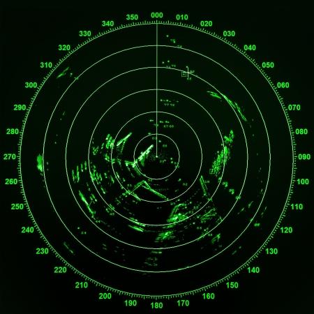 Pantalla de radar barco moderno con mapa ronda verde sobre fondo negro Foto de archivo