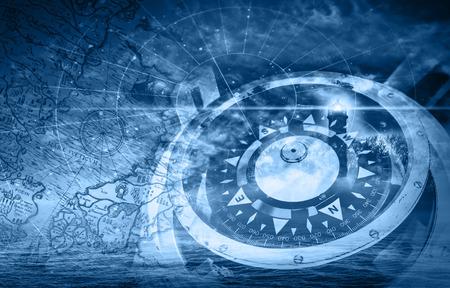 Blauwe schepen navigatie illustratie met kompas, vuurtoren en oude kaarten Stockfoto