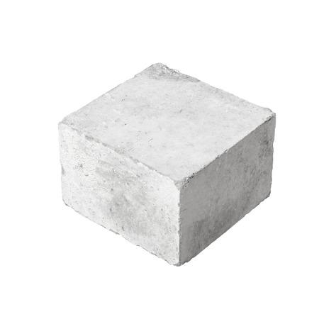 hormigon: Bloque grande de construcción de hormigón aislado en fondo blanco Foto de archivo