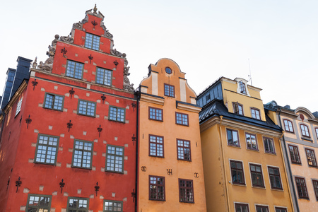 stan: Colorful houses on Stortorget, a small public square on Gamla Stan island, old town in central Stockholm, Sweden