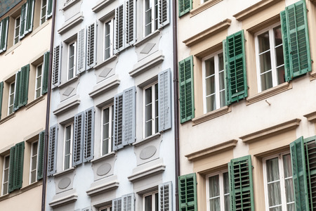 Traditional living houses facades with windows and shutters. Lucerne, Switzerland Imagens - 124876944