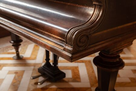 An old piano fragment close-up photo with soft selective focus Foto de archivo