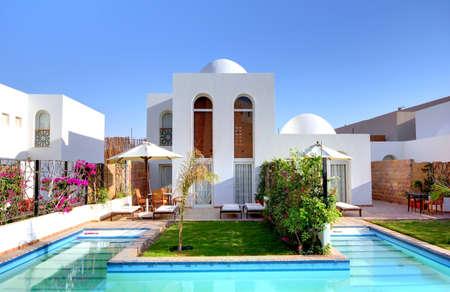 Modern Villa with Pool. Фото со стока