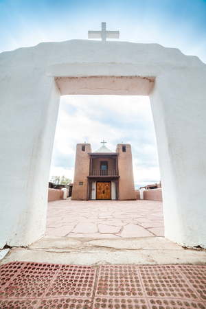 Adobe settlement – consisting of dwellings and ceremonial buildings – represents the culture of the Pueblo Indians of Arizona and New Mexico. Editorial