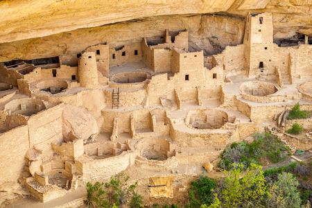 Cliff dwellings in Mesa Verde National Parks, Colorado, USA Imagens - 41718170