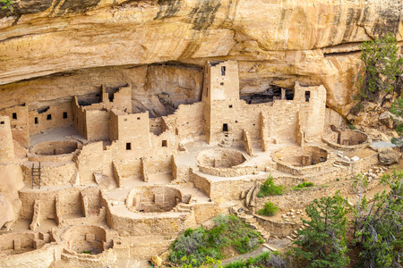 Cliff dwellings in Mesa Verde National Parks, Colorado, USA Imagens - 41718194