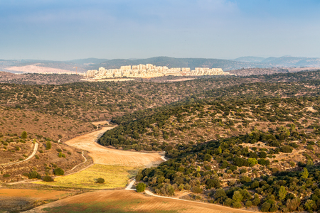 bet: Landscape of Bet Shemesh in Judean Mountains, Israel