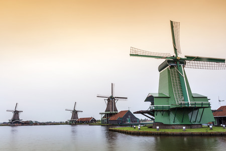 zaanse: Old, wooden windmills in Zaanse Schans, The Netherlands