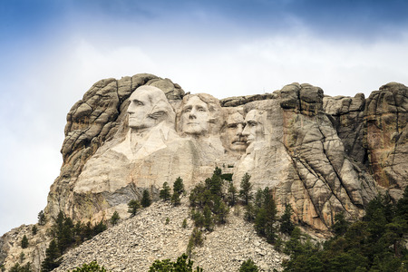 mt rushmore: Mount Rushmore National Memorial Park in South Dakota, USA. Sculptures of former U.S. presidents; George Washington, Thomas Jefferson, Theodore Roosevelt and Abraham Lincoln. Stock Photo