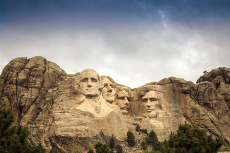 mount jefferson: Mount Rushmore National Memorial Park in South Dakota, USA. Sculptures of former U.S. presidents; George Washington, Thomas Jefferson, Theodore Roosevelt and Abraham Lincoln. Stock Photo