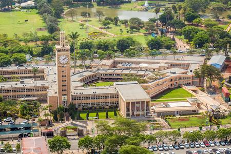 ケニア ナイロビ市中心の議会の建物。