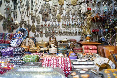 Colorful boxes sold as souvenirs on market in medina of Marrakech, Morroco Фото со стока - 137694460