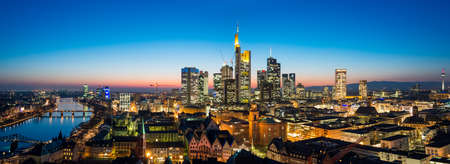 Frankfurt am Main Skyline 스톡 콘텐츠