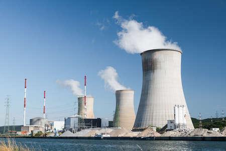Kernkraftwerk Tihange Standard-Bild - 93999451