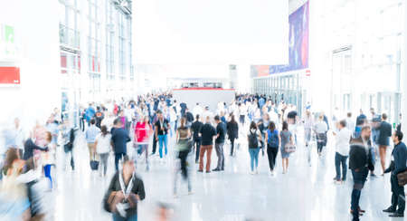 blurred people at a trade fair Standard-Bild