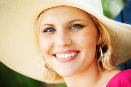 thirties portrait: Beautiful woman with sunhat