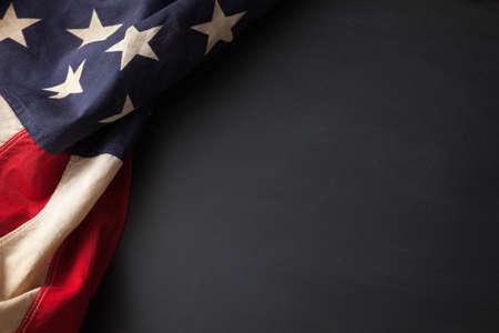 복사 공간이 칠판에 빈티지 미국 국기