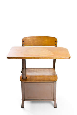 흰색에 고립 된 빈티지 학교 책상