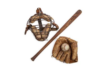 흰색에 고립 된 빈티지 야구 장비