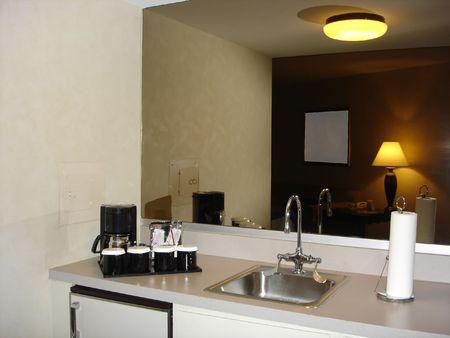 kitchenette: Small Kitchen