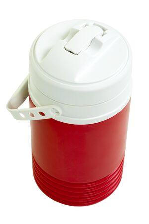 Rode plastic koeler; geïsoleerd op witte achtergrond Stockfoto