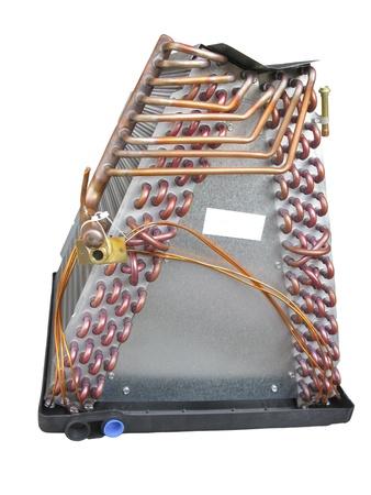 spirale: Coil oder Verdampfer Teil der zentralen Klimaanlage Seitenansicht; isoliert auf weißem Hintergrund Lizenzfreie Bilder