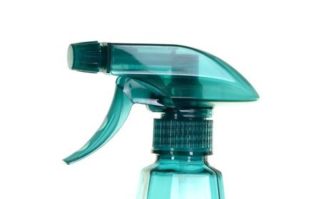 gatillo: Botella de spray de color esmeralda, aislado sobre fondo blanco Foto de archivo
