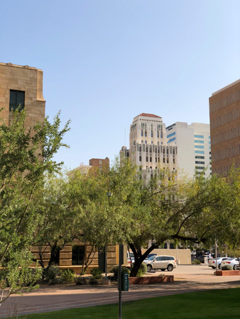 PHOENIX, AZ, USA - DECEMBER 14, 2017: Historic 100 year old high rise buildings and modern skyscrapers in Phoenix downtown, Arizona Publikacyjne