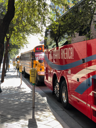 PHOENIX, AZ, USA - DECEMBER 14, 2017:  Charter and school buses closely parked for a special event in city downtowm Publikacyjne