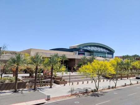 PHOENIX, AZ, USA – MARCH 30, 2018: Phoenix Convention Center South Building and Diamondbacks baseball team Chase Field in downtown of Phoenix, Arizona Publikacyjne
